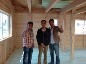 左から愛知県の坂社長、三重県の藤本社長、私。