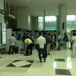 ミャンマー空港でビザ申請。