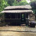 家は湿地帯なので高床式住居でした。ミャンマー人は良い人が多いので、家もすぐに見せてくれました。