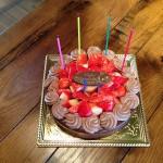誕生日ケーキもいただきました。 松本社長、スタッフの皆さん、ありがとうございました(^<^)
