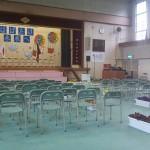 全校1年生から5年生 までの椅子の数です。 少ないのがよく分かる でしょう。。。