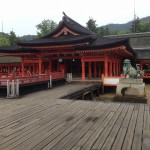 世界遺産だけあって、やっぱり厳島神社はカッコいい。