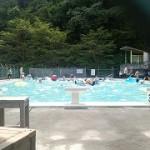 プールでひと泳ぎ♪