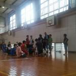 体育館で親子チーム でドッチビー大会☆
