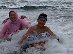 波にもまれてます!
