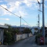 ひかわさんの事務所からは富士山が見えます。贅沢ですよね。