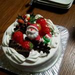 となりのTさまから 毎年クリスマスケーキを 頂きます☆