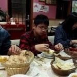 めっちゃ辛そうに食べてる 息子のカレーは2倍。。。。