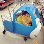 買い物へ行って疲れて運転しながら寝ました。