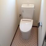 """2階のトイレは思い切って、""""赤色""""をテーマに♪"""