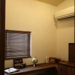 山ちゃん邸の書斎は、木製ブラインドをチョイスしました!