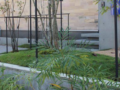 高知県にはないオシャレなエクステリア(外構)やお庭を施工しているタイセイホーム。プランのデザインは、造園でグッドデザイン賞を受賞した「Momohanaya」さんです。