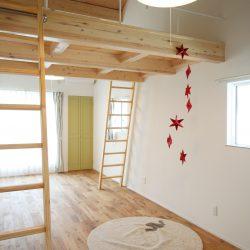 ロフトのある子供部屋は、ワクワク遊び心をくすぐります。