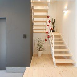 香美市土佐山田町にスキップフロアのあるシンプルスタイリッシュなお家が完成しました。