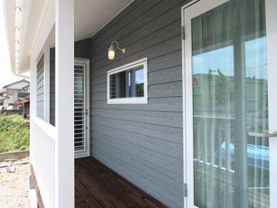 須崎市に建つカリフォニアハウスは、自然素材とオーダーメイドで建てた世界にひとつだけの家。
