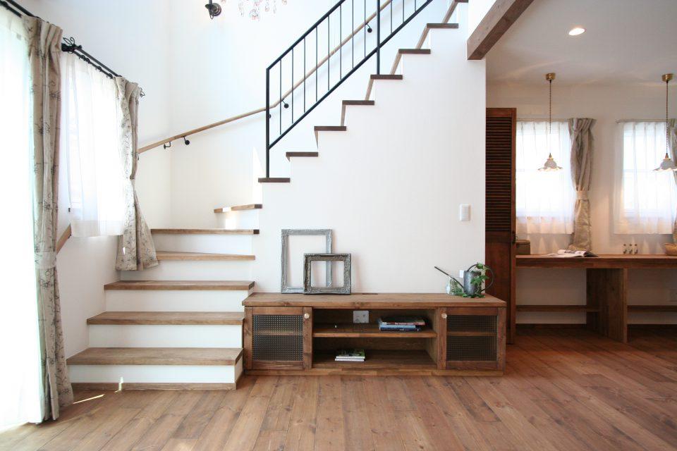 高知市南久万に自然素材の注文住宅を新築したYさまの生の声をお届けします。