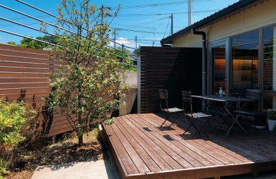 高知市福井町にあるタイセイホームの青空ウッドデッキに屋根をプチリフォームしました。新しい取り組みとして、ウッドデッキをはじめ室内のスペースを無料でお貸しします。どなたでも借りられるので、ワークショップや教室などでご活用ください。